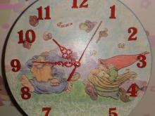 Часы под заказ в детскую комнату